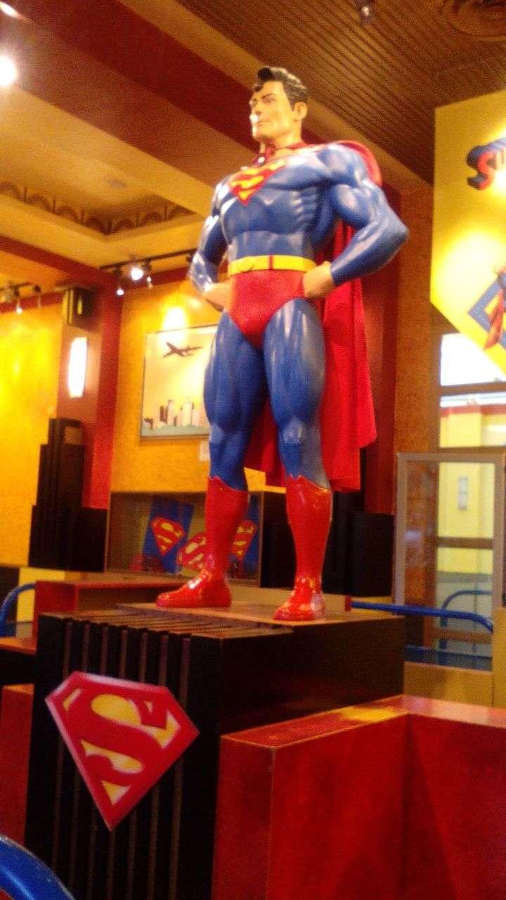 Estatua Superman