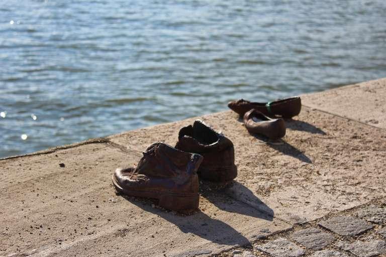 Monumento en las orillas del Danubio